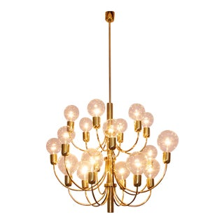 Large 1970s brass chandelier in the manner of Sciolari