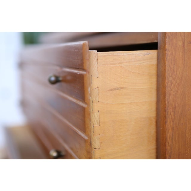 Mid Century Modern Three Drawer Chest / Cabinet - Image 6 of 8