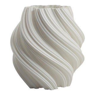 3d Printed Fractal Spiral Vase / Decorative Led Luminary , White