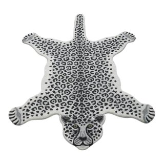 Modern Hand Tufted Leopard Skin Shaped Wool Rug - 4′6″ × 6′