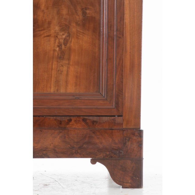 French 19th Century Walnut Louis Philippe Armoire - Image 4 of 10