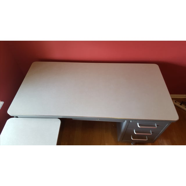 Steelcase Tanker Desk with Return - Image 8 of 9