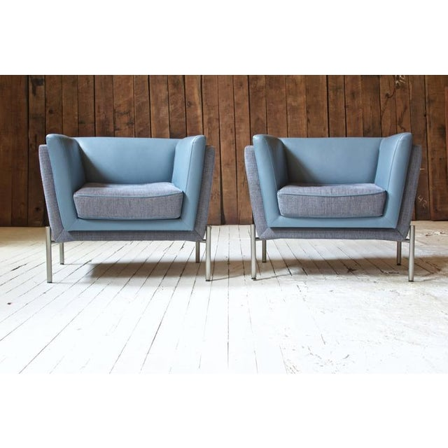 Pair of Two-Tone Grey Wool and Blue Leather 'LAP' Club Chairs by Brueton, 1980 - Image 4 of 6