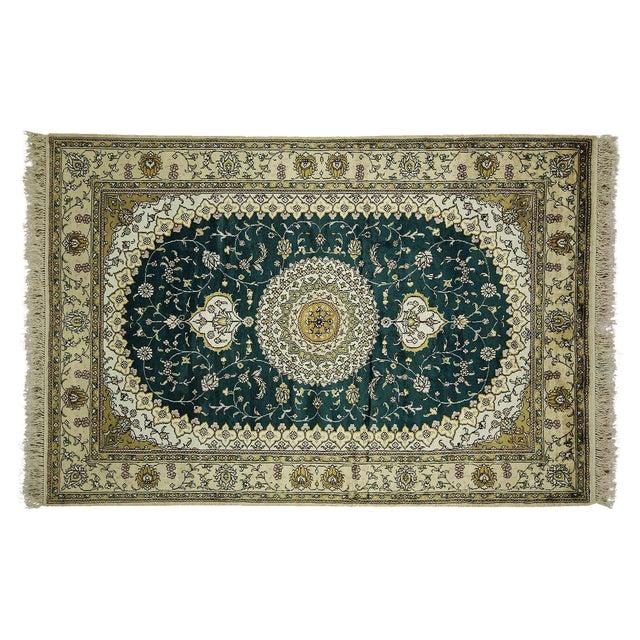 Silk Green Kashan Medallion Area Rug- 4'x6' - Image 1 of 8