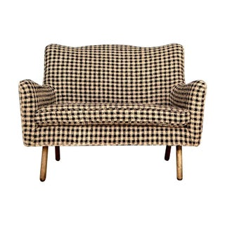 Foundation Shop Chanel Styled Fabric Modern Settee