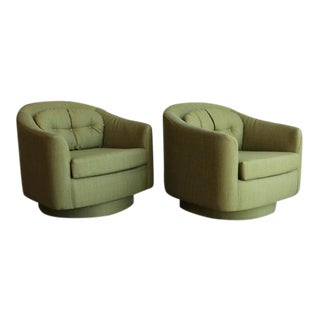 Pair of Swivel and Tilt Lounge Chairs by Milo Baughman for Directional