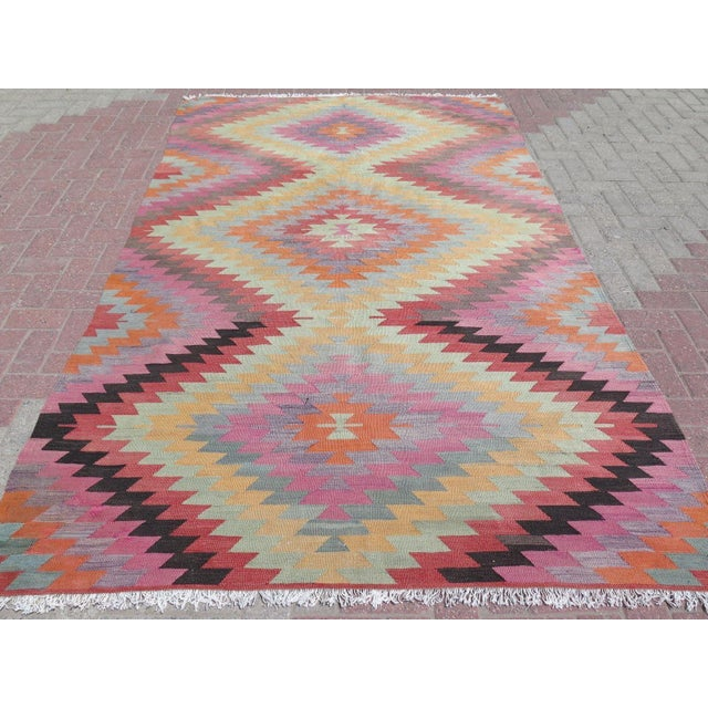"Vintage Turkish Kilim Rug - 5'9"" X 9'3"" - Image 3 of 11"