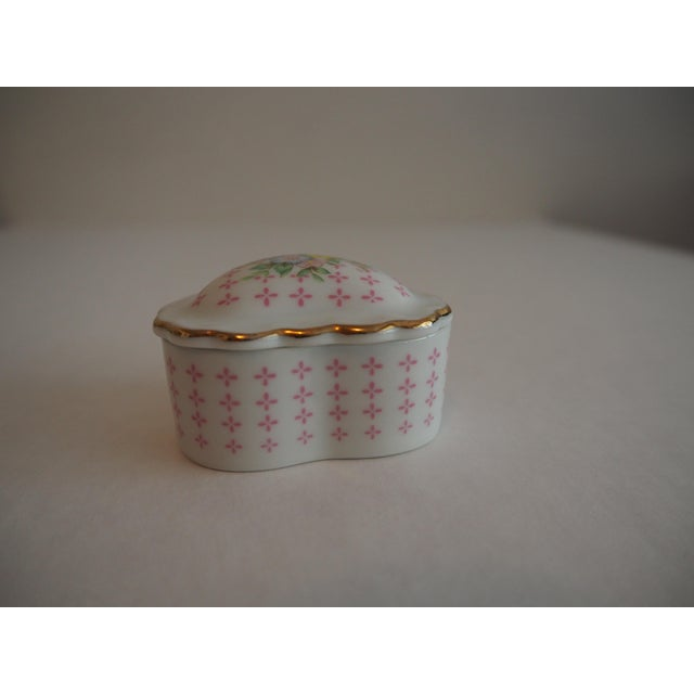 Porcelain Heart Shaped Box - Image 3 of 5