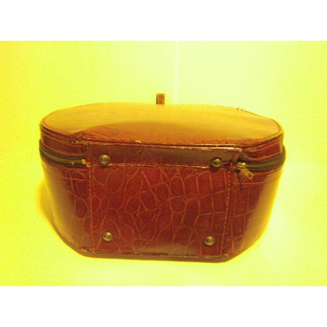 Image of Vintage Munro Red Leatherette Hat Box