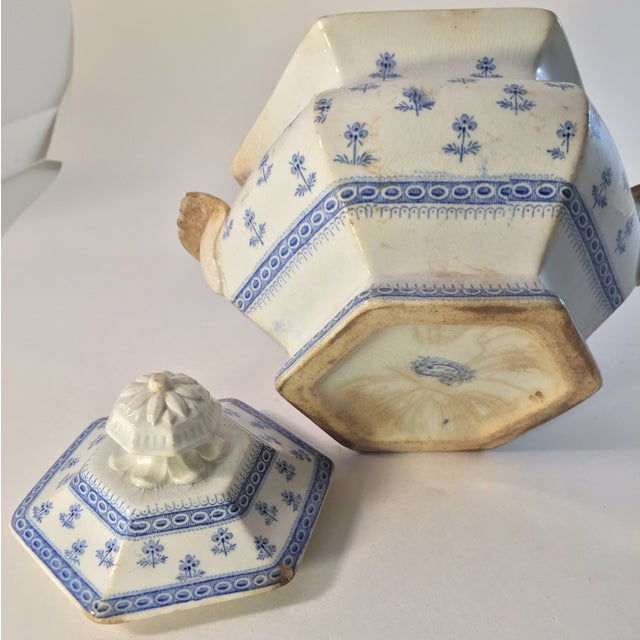 Antique Porcelain Blue Staffordshire Sugar Dish - Image 4 of 4