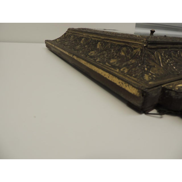 Antique Repose Brass Vanity Reliquary with Mirrored Door and Coat Brushes - Image 7 of 8