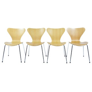 Set of Four Series 7 Chairs by Arne Jacobsen for Fritz Hansen