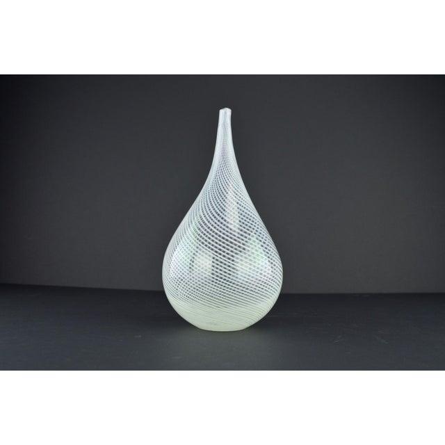 Modern White Spiral Hand Blown Art Glass Vase - Image 7 of 10