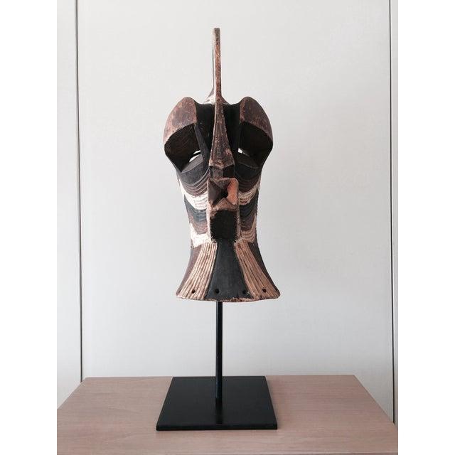 """Songeye Kiwebe """"Police"""" Mask 4 - Image 3 of 4"""