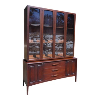 Mid-Century Modern Broyhill Emphasis Walnut Hutch Buffet China Cabinet Credenza
