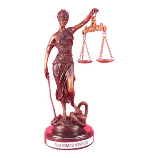 Blind Lady of Justice Them Is Bronze Statue
