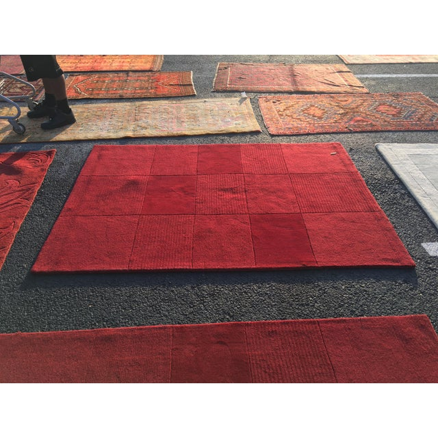 "Red Hand-Tufted Rug - 4'8"" x 6'8"" - Image 2 of 8"