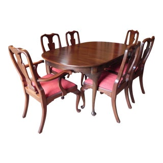 Henkel Harris Queen Anne-Style Dining Set