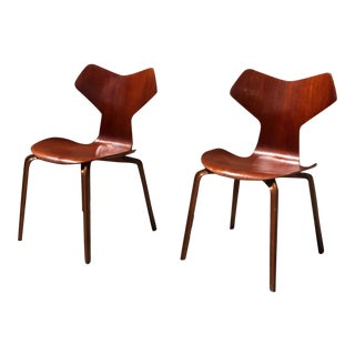 Arne Jacobsen for Fritz Hansen Grand Prix Chairs - A Pair