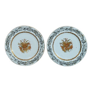 Large Chinese Export en Grisaille & Gold Botanical Porcelain Dishes - a Pair