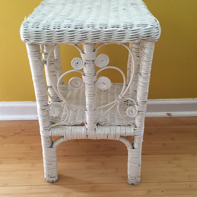 White Wicker Scrolling Detail Side Table - Image 3 of 6