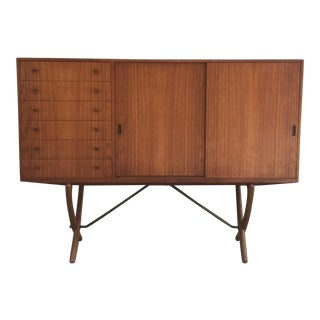 Hans J Wegner Carl Hansen and Son Ch-304 Teak & Oak Credenza