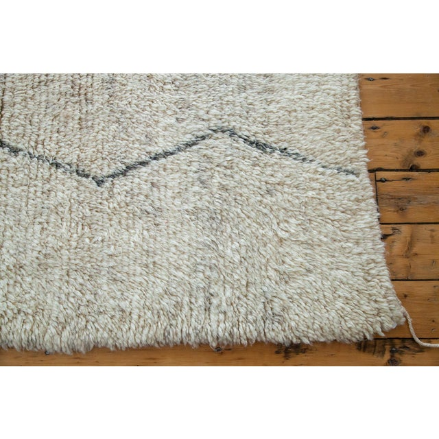 "Vintage Beni Ourain Moroccan Rug - 5' 9"" X 8'10"" - Image 4 of 5"