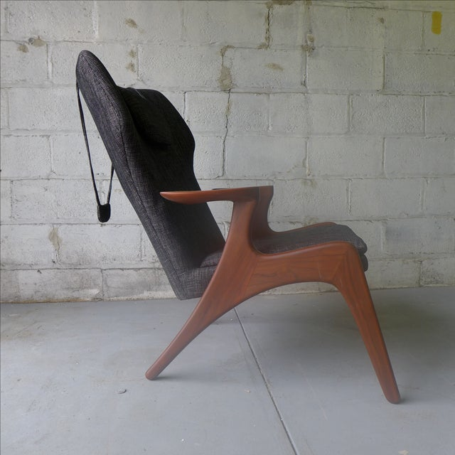 Mid-Century Modern-Style Lounge Chair