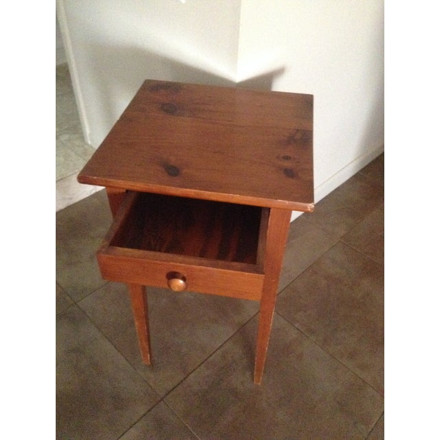 Handcrafted Pennsylvania Shaker Style Accent Table - Image 4 of 5