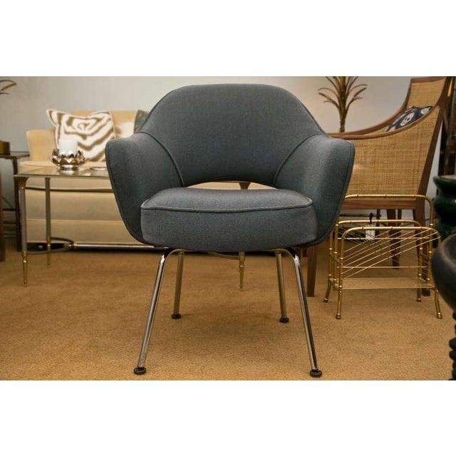 Saarinen Executive Armchair, Vintage Knoll Charcoal - Image 2 of 8