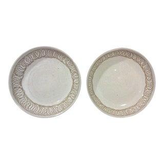 Martz Round Bowls - A Pair