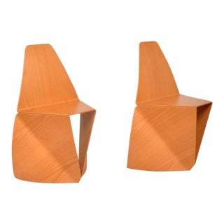 Pair of Modern Chairs in Bent Plywood