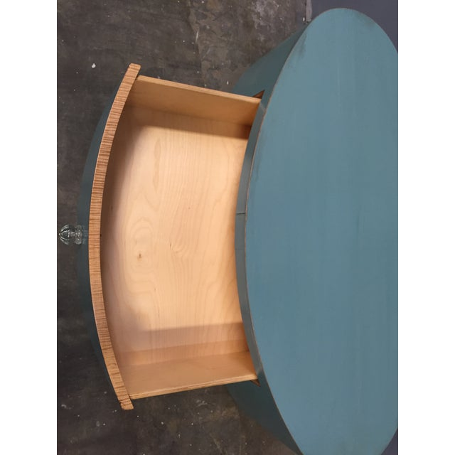 Image of Distressed Shabby Chic Round Coffee Table