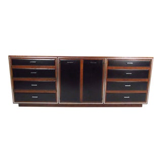 Mid-Century Modern Nine-Drawer Dresser by John Stuart for Widdicomb