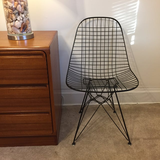 mid century eames wire side chair chairish. Black Bedroom Furniture Sets. Home Design Ideas