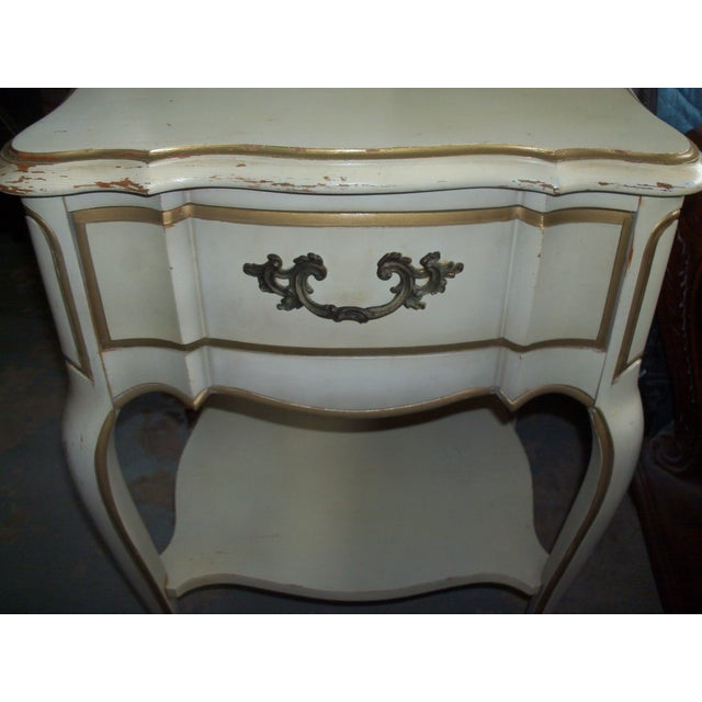French Provincial Style Night Stand Table - Image 6 of 7