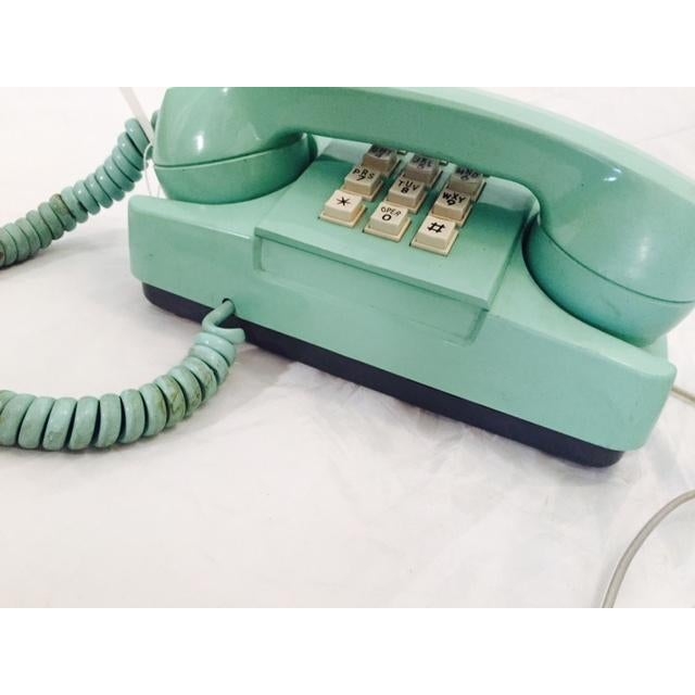 Light Teal 1975 GTE Starlite Push Button Phone - Image 4 of 6