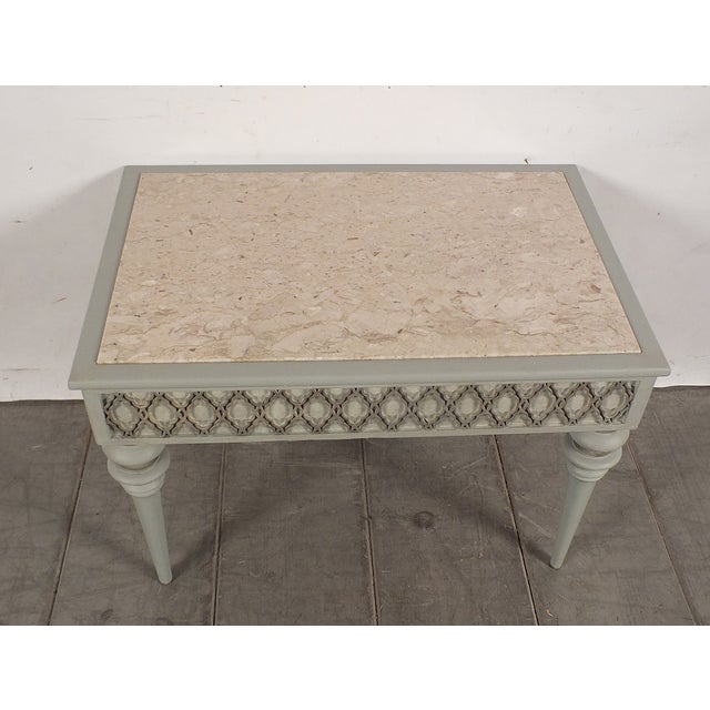 Regency-Style 1950s Painted End Table - Image 3 of 7