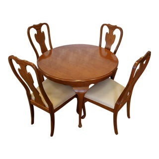 1990s Carleton Oak Drexel Heritage Queen Anne Round Dining Room Set