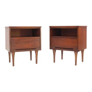 Pair of Mid-Century Walnut One Drawer End Tables Nightstands