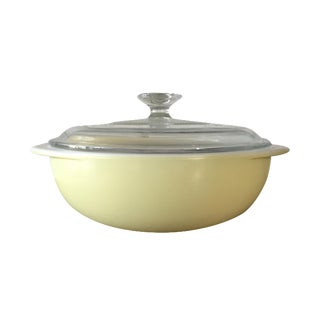 Pyrex Round Casserole Dish in Light Yellow