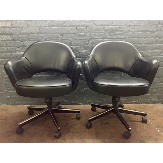 Eero Saarinen Knoll Blk Leather Chair -5 Available - Image 3 of 7