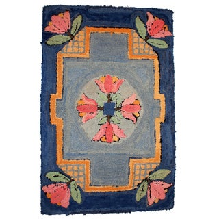 1940s Handmade Antique American Hooked Rug - 2' X 3'