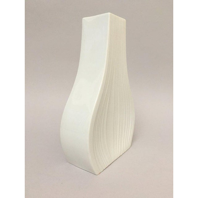 White Modernist Bisque Porcelain Naaman Onion Vase - Image 9 of 11