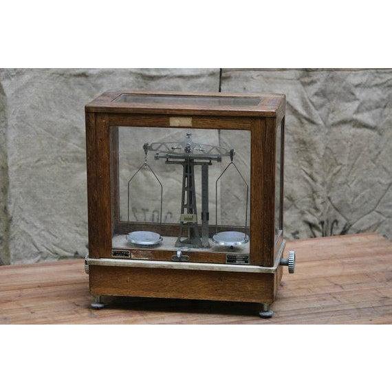 Image of Vintage Chemists Scale