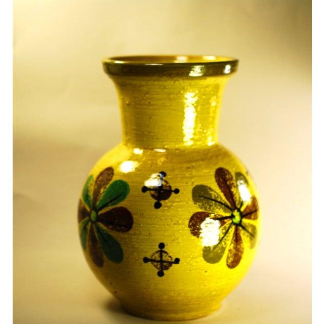 Mid Mod Bitossi Aldo Londi Yellow Pottery Vase - Image 5 of 8