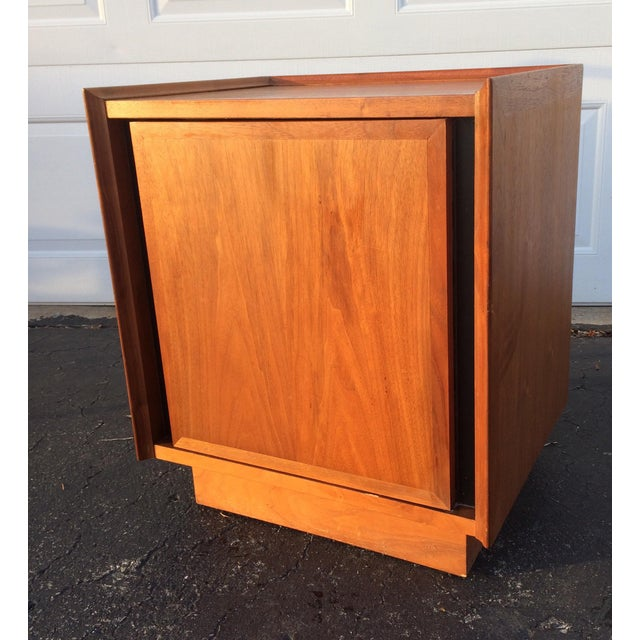 Dillingham Esprit Mid-Century Modern Nightstand - Image 2 of 10