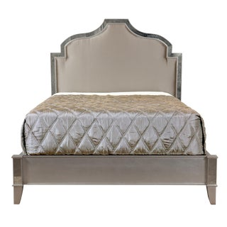 Erinn V. Queen Size Astra Bed