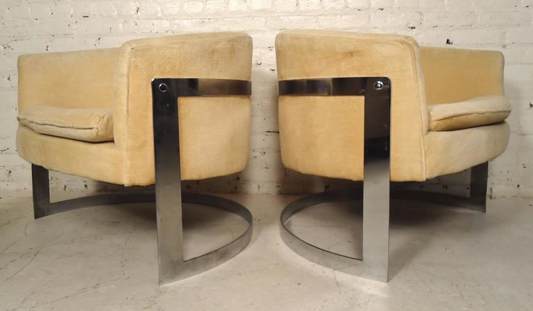 Elegant Jules Heumann Round Back Club Chairs   Image 2 Of 7