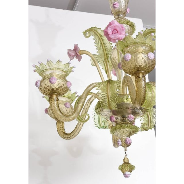 1930s, Louis XV Style, Green and Pink Murano Glass Chandelier and Two Sconces - Image 8 of 9